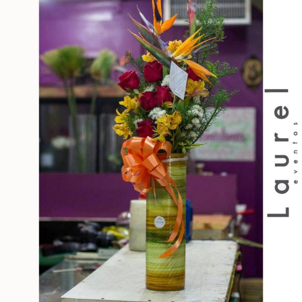 Arreglo Floral en Cilindro