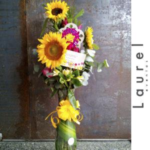 Arreglo floral en cilindro con Girasoles