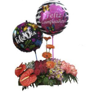 Arreglo de rosas rojas gerberas astromelias y globos
