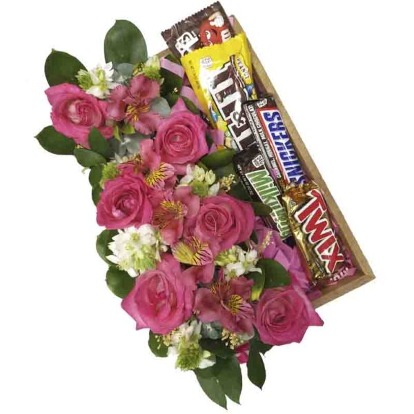 Bandeja de rosas y chocolates
